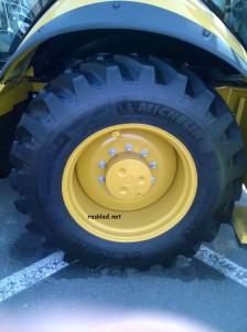 колесо погрузчика экскаватора
