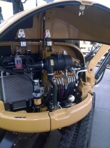фото открытого двигателя Caterpillar303-5ECR